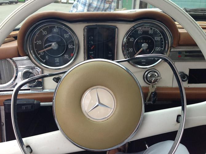 Jeg drømmer stadig om en ældre Mercedes. Som ikke kræver al verden at holde kørende, tak.