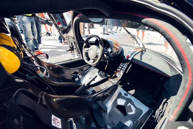 Racing style...