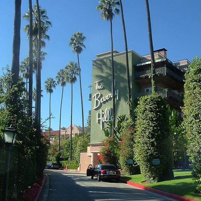 I morges havde jeg et møde på Beverly Hills hotel som ligger 200 meter fra, hvor jeg bor. Det er så smukt og old school, og jeg elsker stedet.