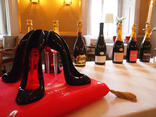 Hvad en Louboutin sko og Piper-Heidsieck har til fælles, må du lige vente lidt med at få svaret på - men det er en god historie.