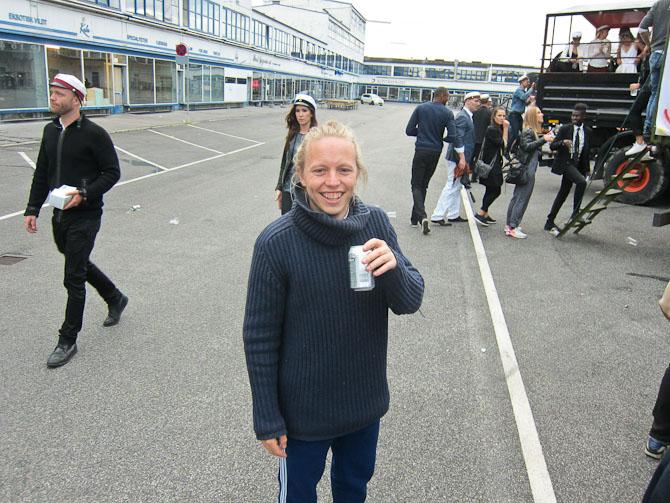 Mikas Emil med en mega stærk bajer