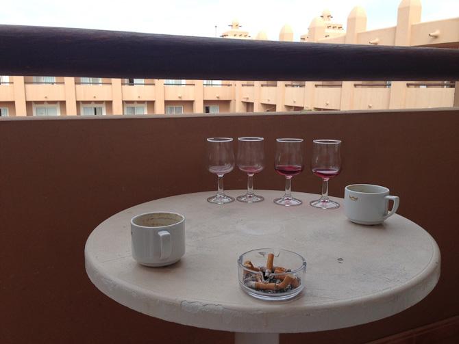 Plastmøbler og copy+paste terrasse