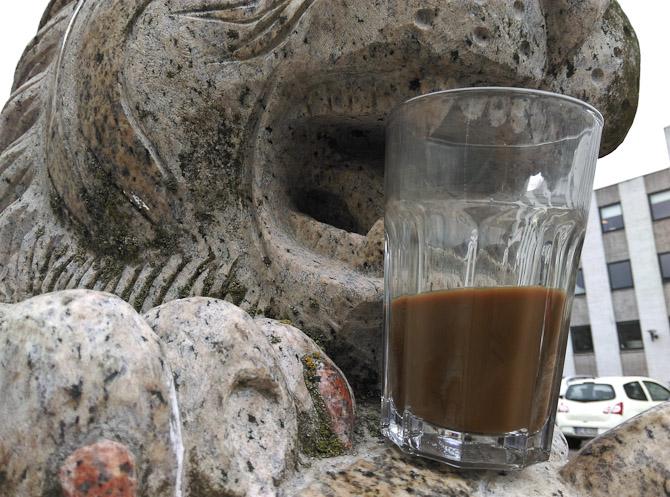 Mokka i statuemund