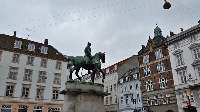 Statue-gensyn