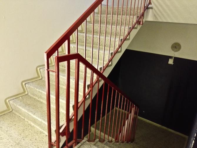 Denne opgang har været gemt bag en dør, som jeg har passeret en gang om ugen i flere år. Så ved du det.