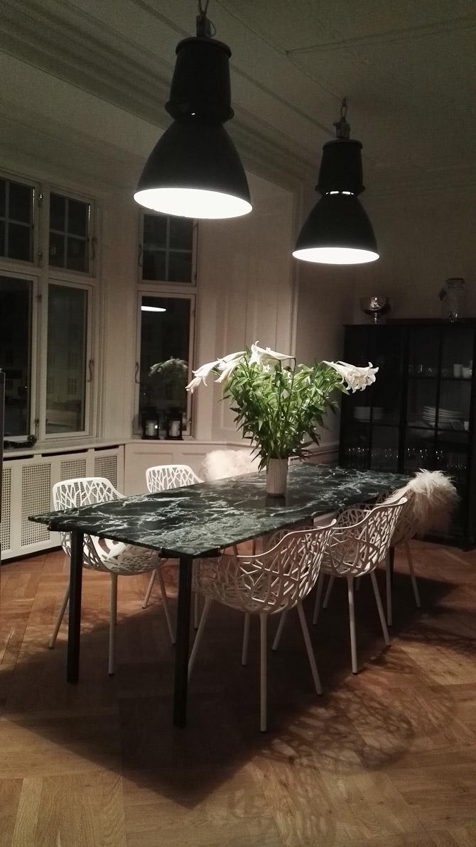 Omsider kom lamperne op - tak for hjælpen Kold & Keis