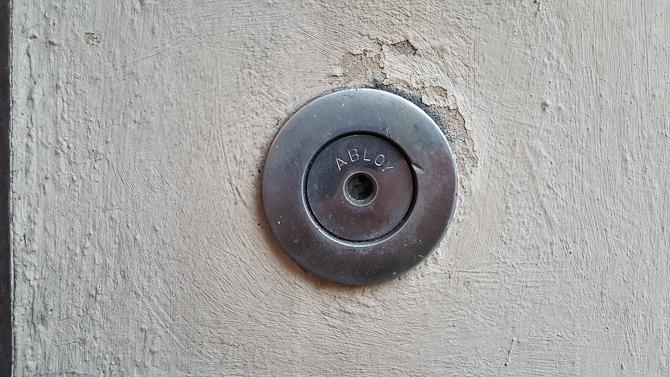 Hul-i-mur-til-nøgle