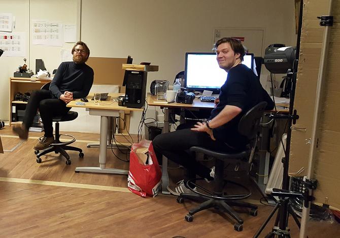 Anders og Jeppe er i færd med at redigere en film for voksne. Den kommer ikke til det danske marked, forlyder det...