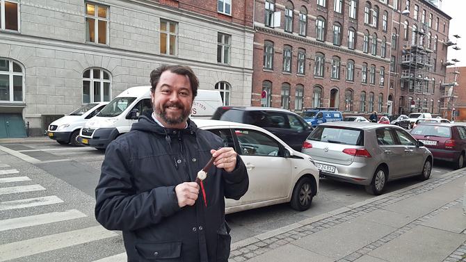 Jeg rendte på Uffe. Han var glad. Det handlede om 18 karat