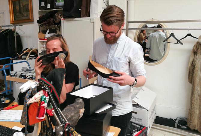 Niels von Jørgen og Anders havde været til bal, hvor de fandt hver sin sko
