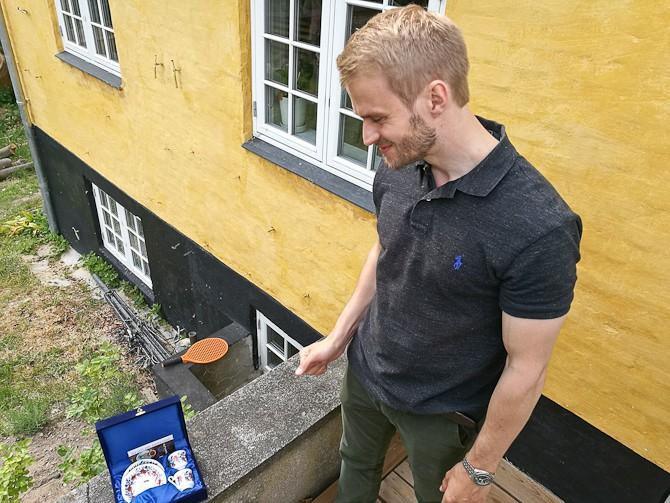 Fætter Anders blev også begavet med et flot skrin, som indeholdt semi-antikke kopper til kaffe.
