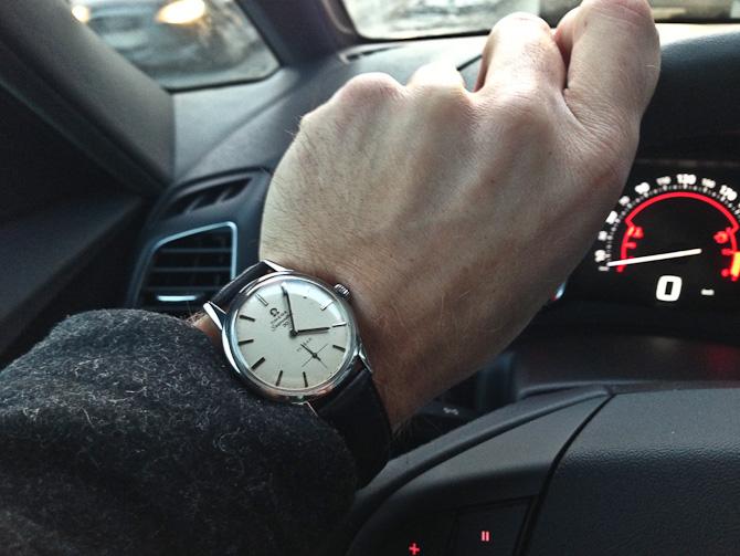 En halv-sjælden Omega Seamaster 30 røg på håndleddet - og med forhandler logo.