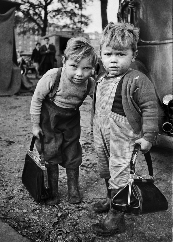 De to drenge. Lånt med tilladelse. Kilde: www.stromholm.com