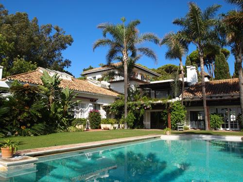 Skal der være fest eller intimkoncert? Så prøv Villa del Mar.