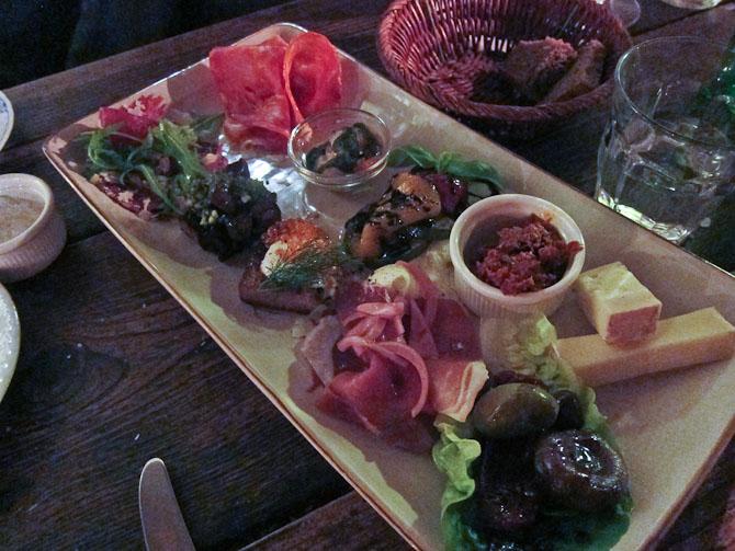 Om at spise sent hos Gorm's i Nyhavn 14