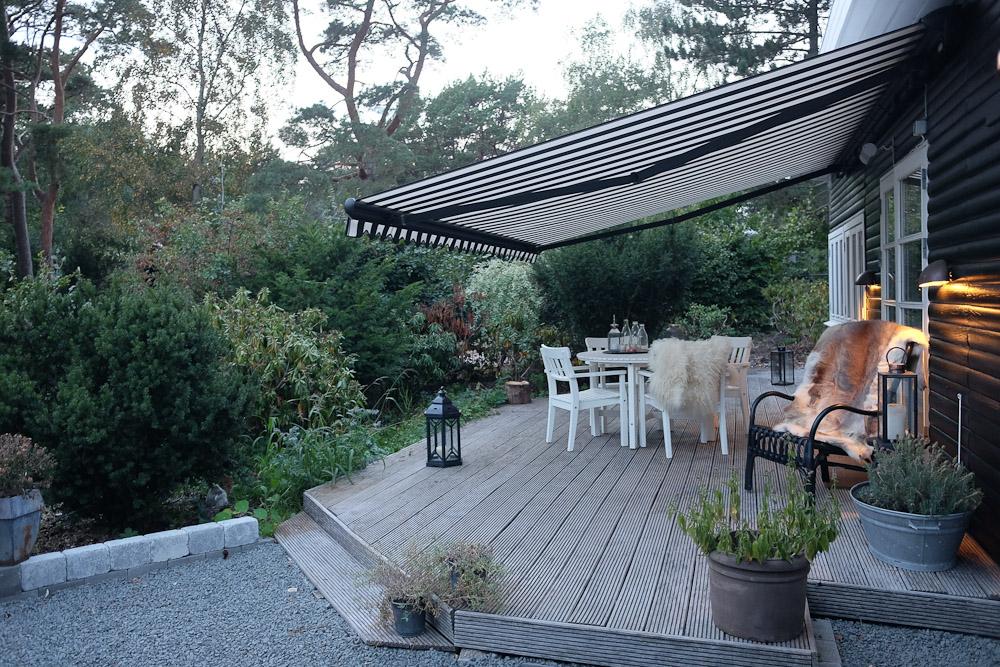 nyt fra smidstrup strand den med den nye markise. Black Bedroom Furniture Sets. Home Design Ideas